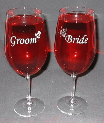 Personalized Engraved Bride & Groom Vina Briossa Wine Glass Set