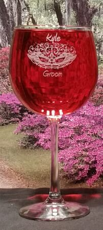 Personalized Engraved Vina Balloon Wine Glass